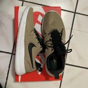 Women's Nike Roshe 2
